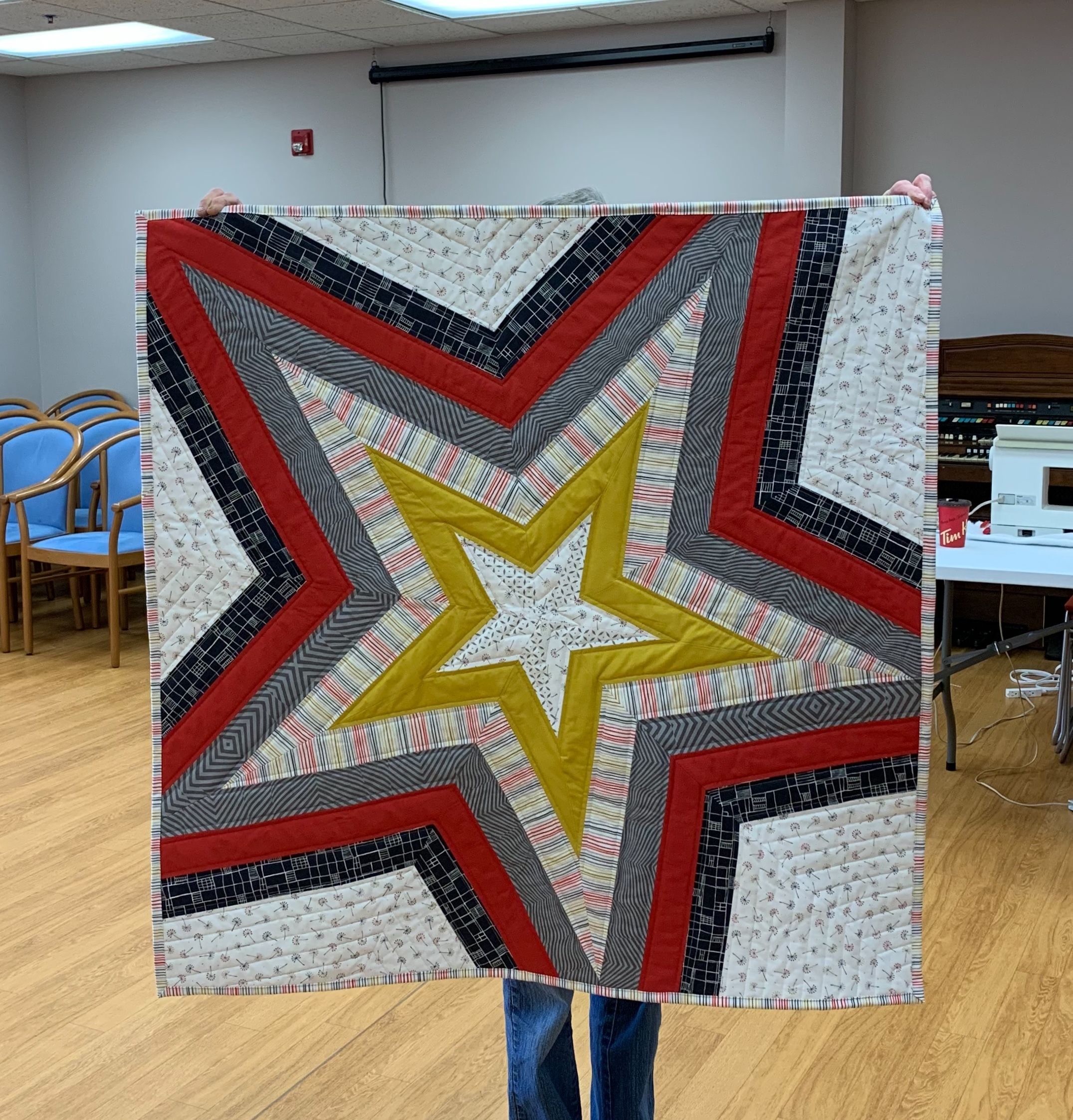 Star Storm Mini, quilt pattern designed by Victoria