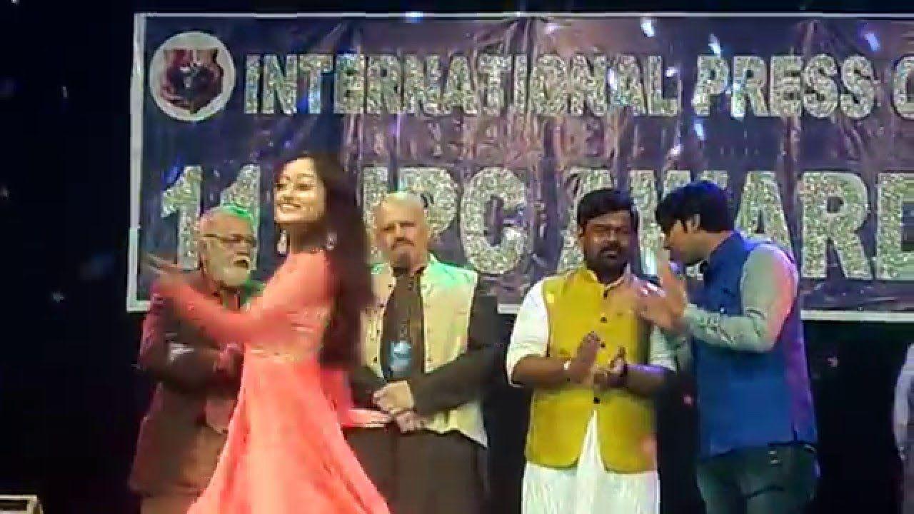 famous marathi song performed at ipc award 2016