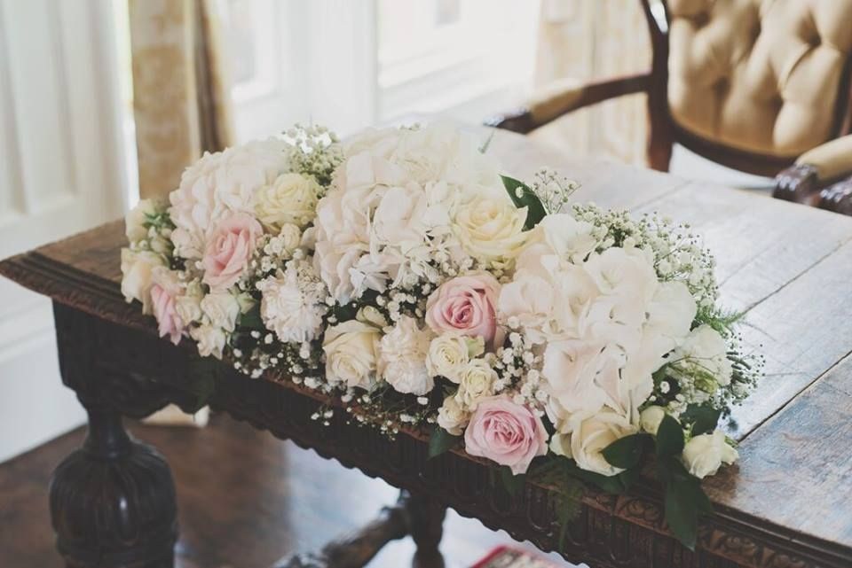 Blush And Ivory Top Table Flowers For A Otterburn Castle Wedding With Hydrangea Roses Gypsophila More Image By Diamond Photography Fleur