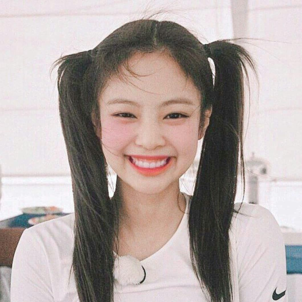 E Miss Your Gummy Smile Nini Hope We Can See Them Again Today Dont Mind The Haters Fake Blinks We Are H Blackpink Jennie Kim Blackpink Blackpink Jennie