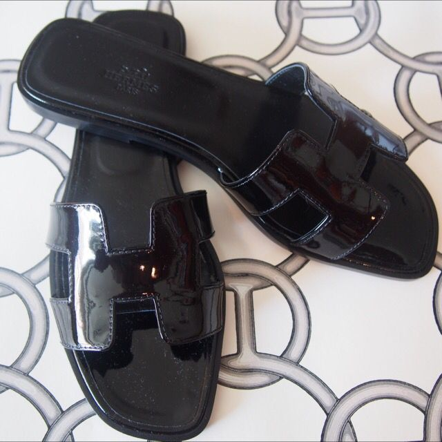 72c838c50422 Sz37.5 hermes oran sandal black shiny