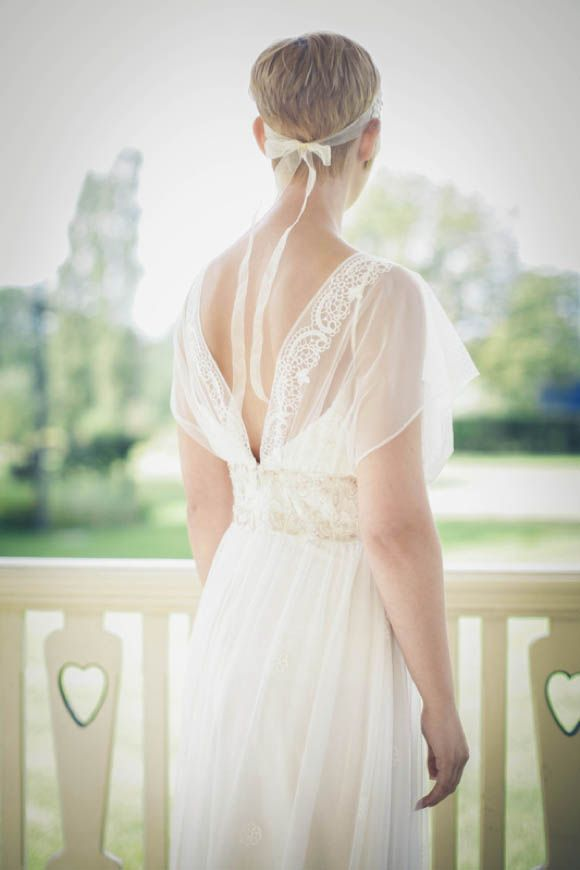 Claire Pettibone\'s \'Windsor Rose China\' Collection Meets \'Divine ...