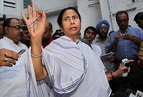 PM likely to call Mamata today, compromise over cap on subsidised LPG possible: Sources