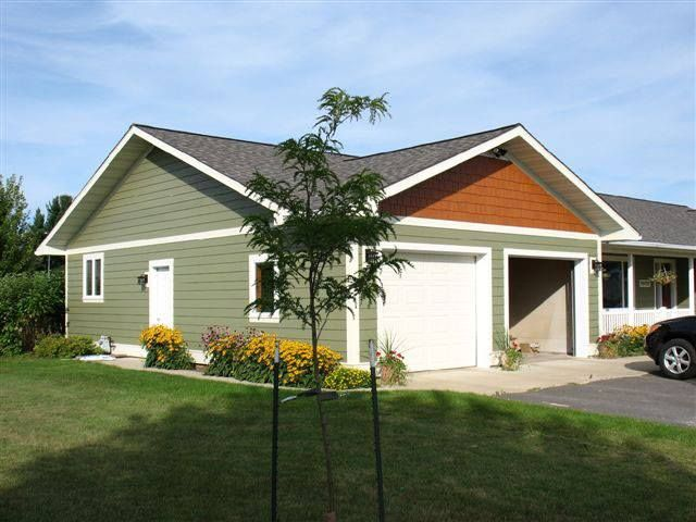 Diamond Kote Olive Lp 8 Inch Lap With Mahogany Shakes And Beige Trim House Paint Exterior Exterior Siding House Siding