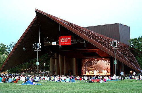 Top 25 Free Things To Do In Houston Miller Outdoor Theatre This Is S Premier Theater For The Performing Arts Performances Run March