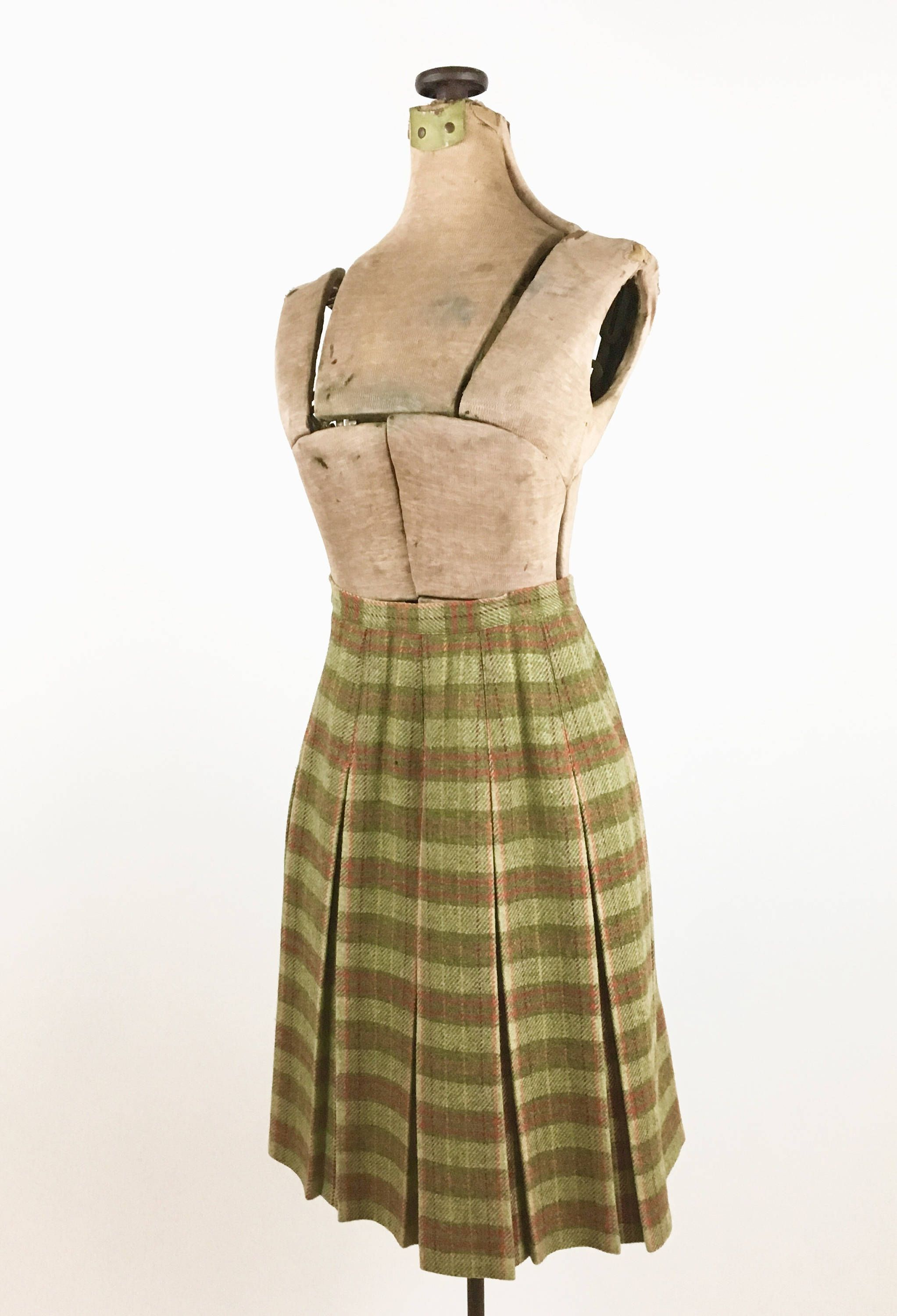 ec28163877 1960s Plaid Wool Skirt Pleated Vintage 60s Pleated Wool Plaid Skirt Olive  Green Plaid Size S XS Women's 1960s Winter Fashion by transmigration on Etsy
