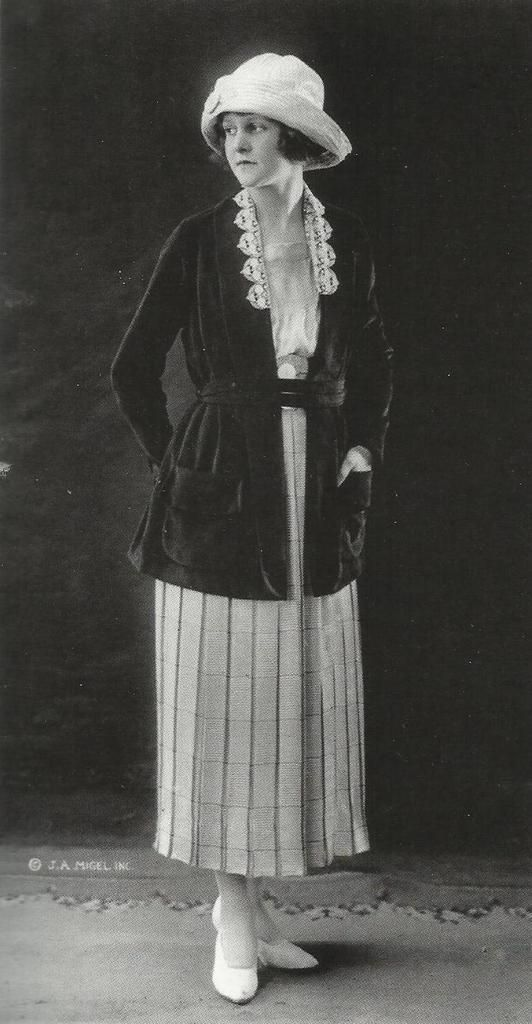 sian brown 1922 1924 pictured above is a model wear and long paneled skirt with a high