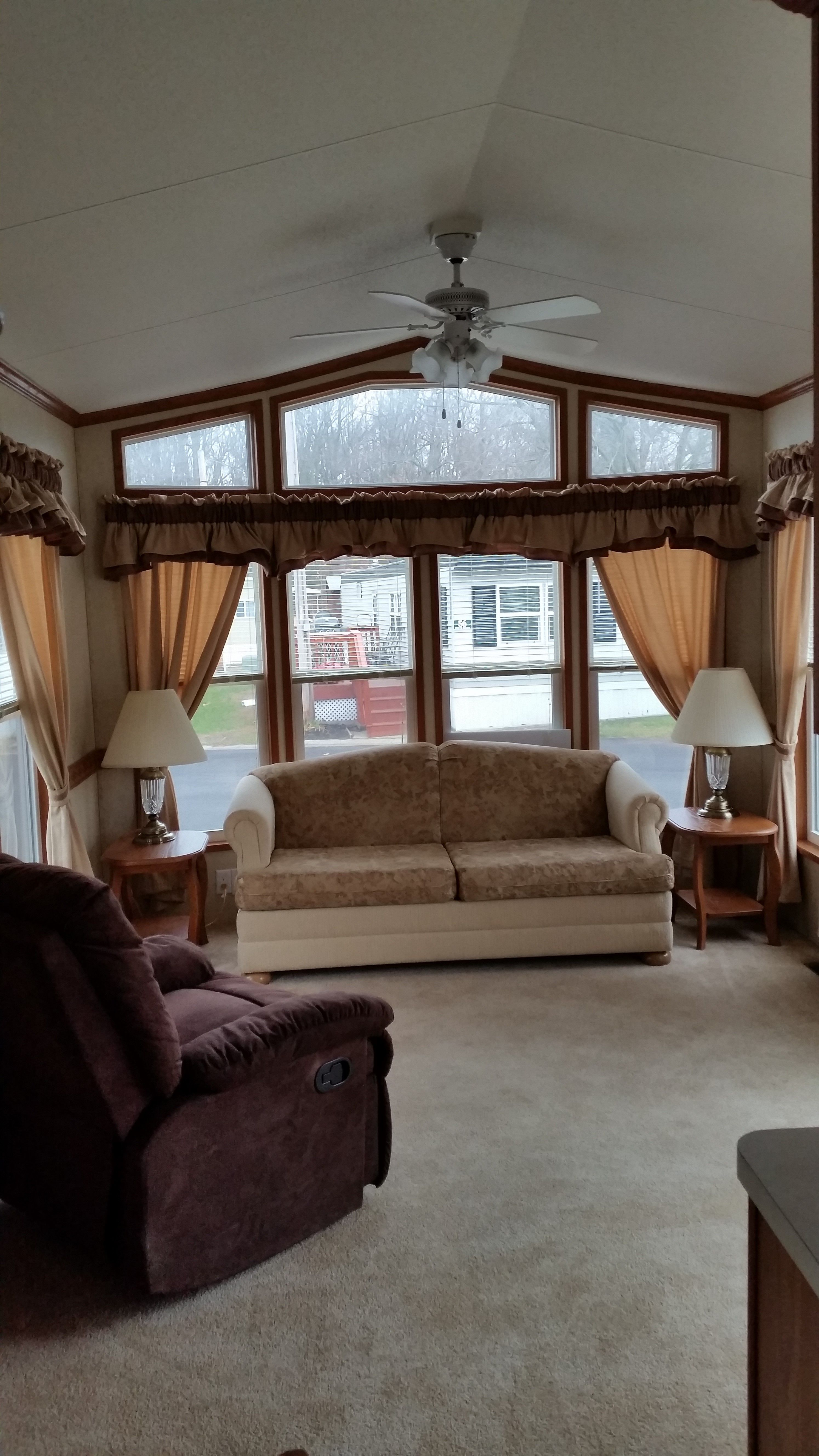 Mobile Home For Sale located at 17990 North Shore Unit 45