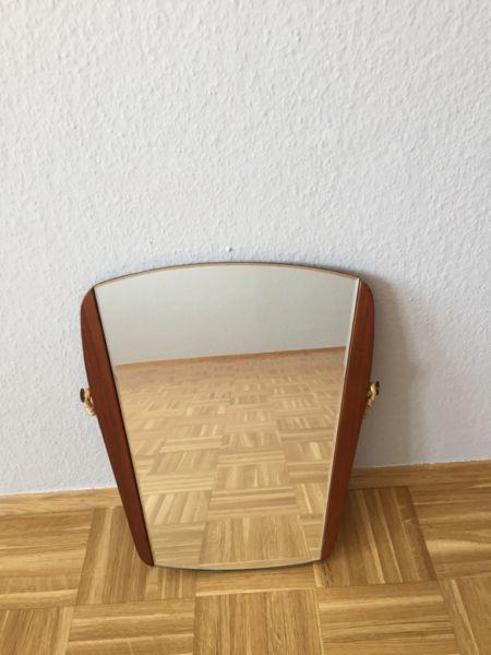 Badspiegel München wegen umzugs ist dieser schöne spiegel abzugeben die maße sind l