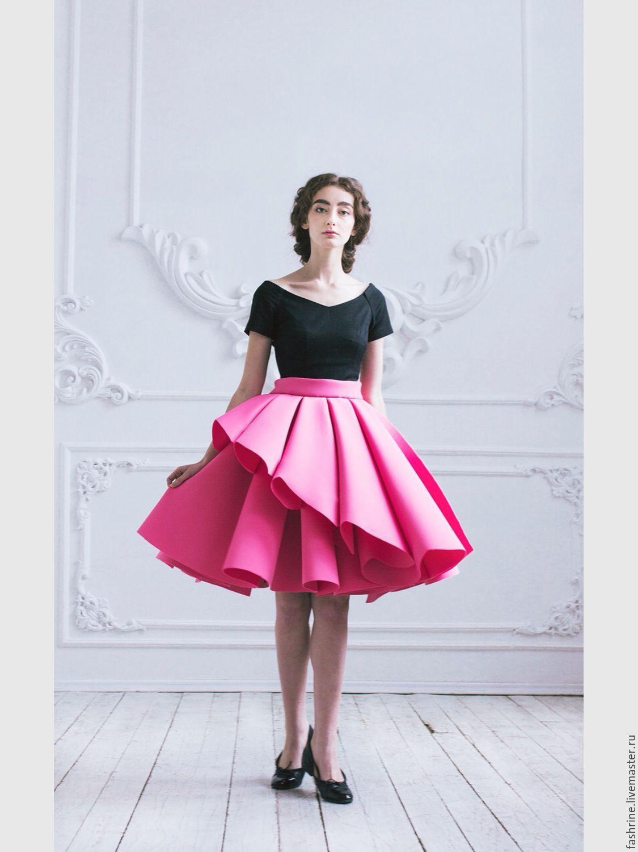Розовая юбка неопрен
