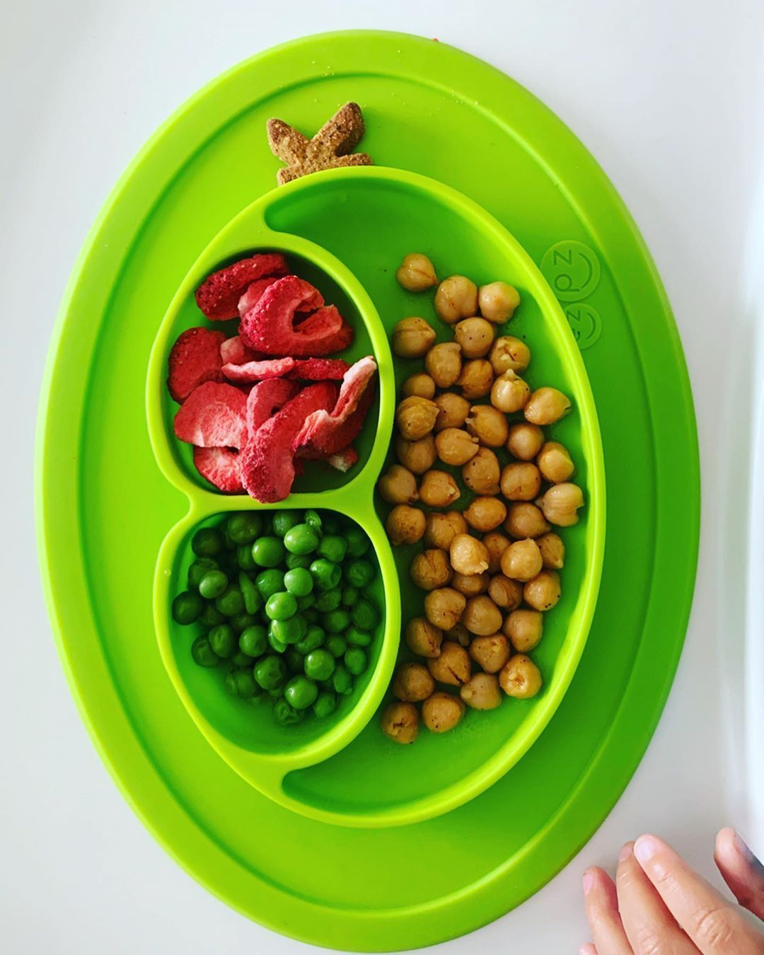 Roasted Chickpeas Freeze Dried Strawberries Green Peas Sweet Potato Cinnamon Alphabet Cookie (@bitsysbrainfood) ... #freezedriedstrawberries Roasted Chickpeas Freeze Dried Strawberries Green Peas Sweet Potato Cinnamon Alphabet Cookie (@bitsysbrainfood) ... #freezedriedstrawberries