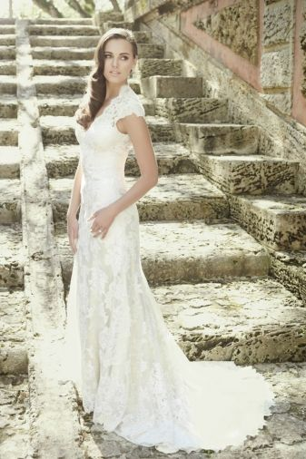Allure Bridals Robin An Elegant Gown In All Over Lace This