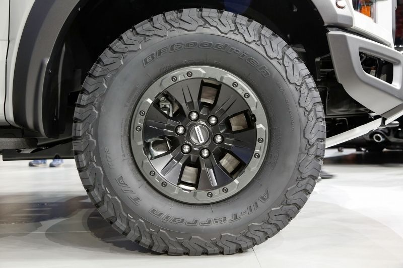 ford raptor tire size 800 X 533