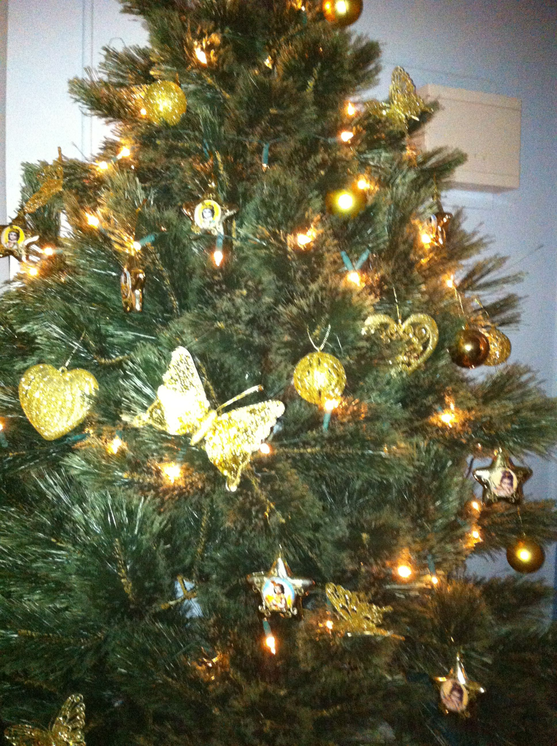 Christmas 2012 altar fairy lights and gold bauble wreath white and