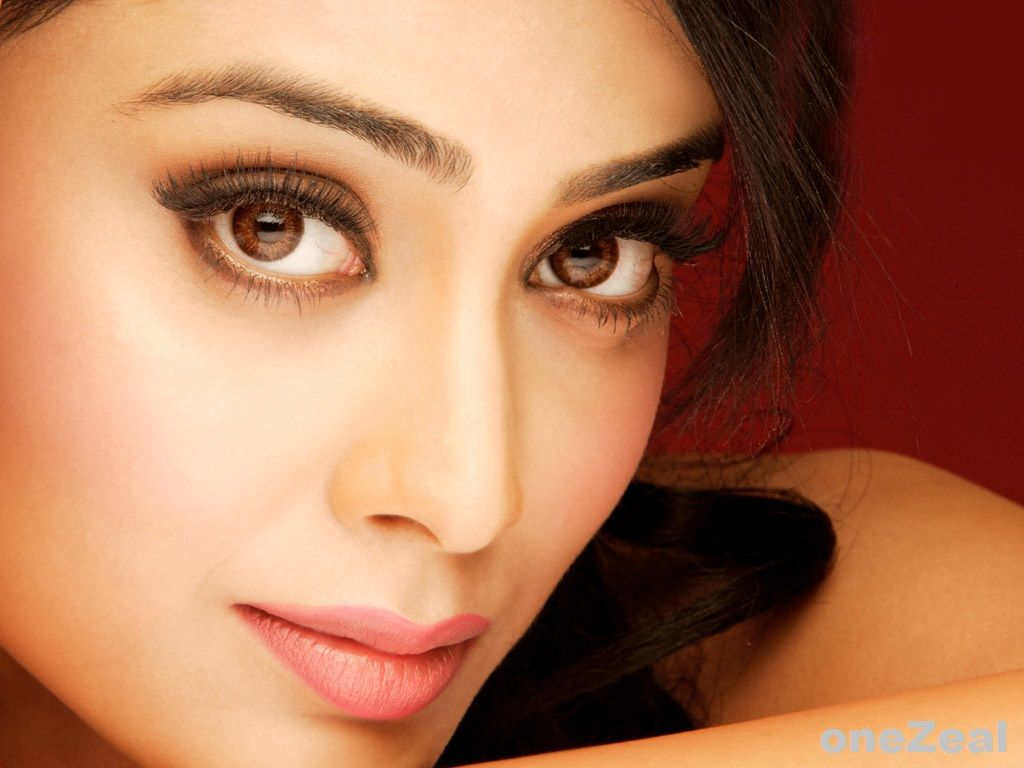 Shriya Beautiful Actress Hd Wallpaper Free Download Girls Lips Pink Lips Beautiful Wallpaper Hd