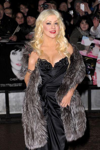 6779edbbd2d christina aguilera  fur  furcoat  fashion  luxury  womensfashion Christina  Aguilera