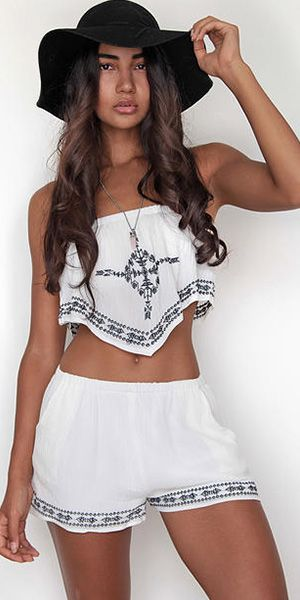 4cc04eeb808 Sexy Embroidery Strapless Tops + Shorts Two-piece Set
