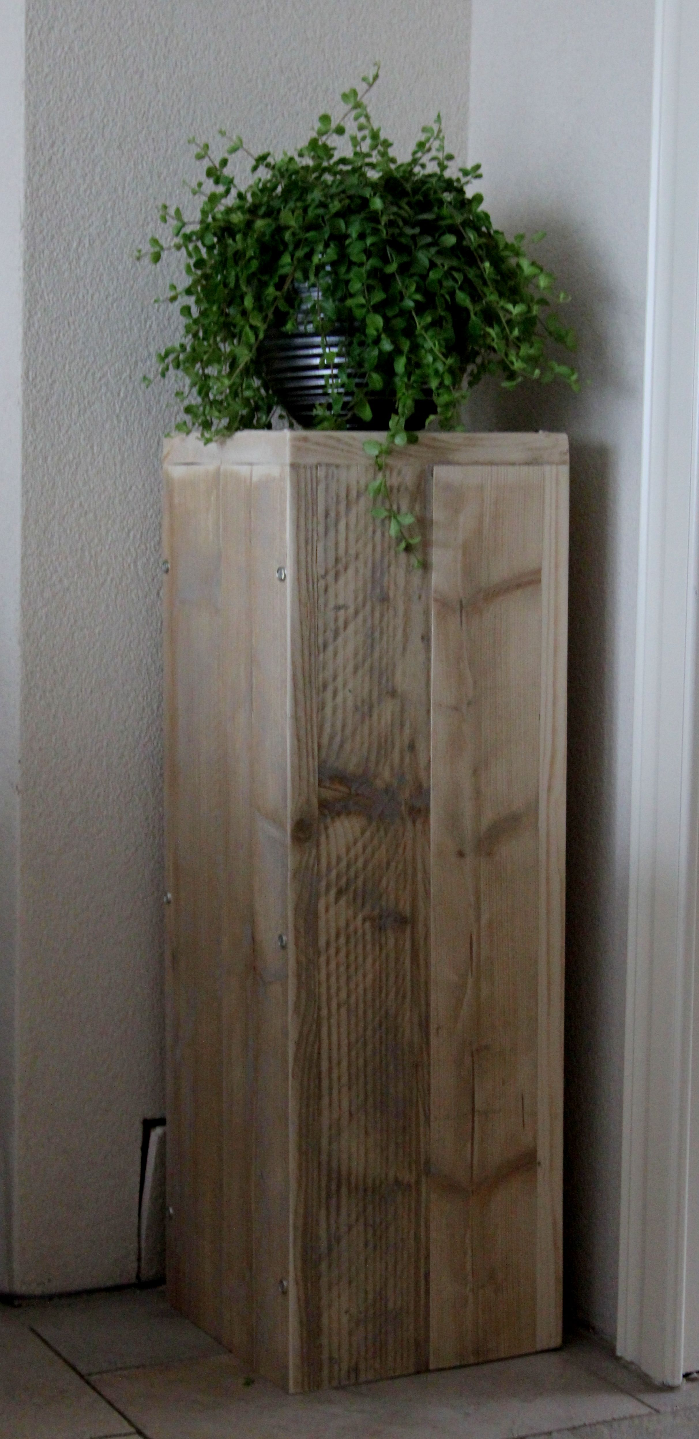 Plantentafel gemaakt van steigerhout 90 cm hoog 30 cm vierkant gemaakt en…