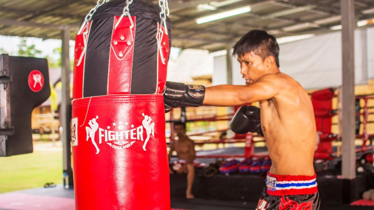 Muay Thai Bag The Ultimate Buyer S Guide Muay Thai Bag Muay Thai Muay Thai Training