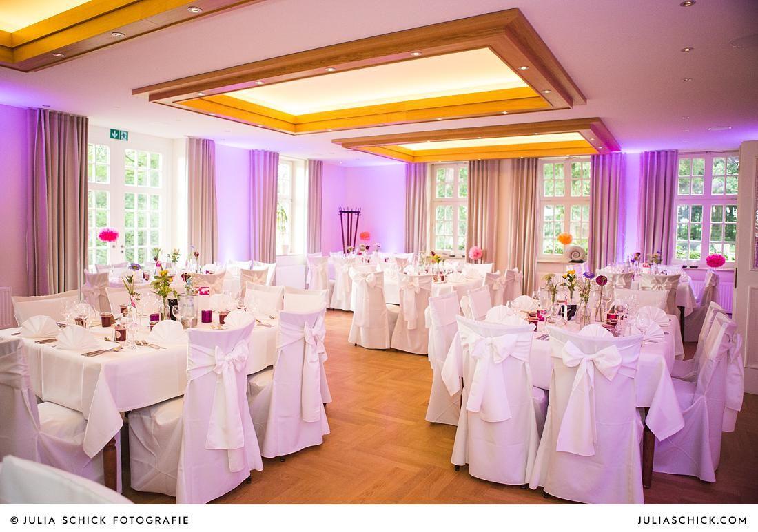 Freie Trauung Auf Burg Hulshoff Julia Schick Fotografie Hochzeitsfeier Hochzeit Hochzeitsfotografie