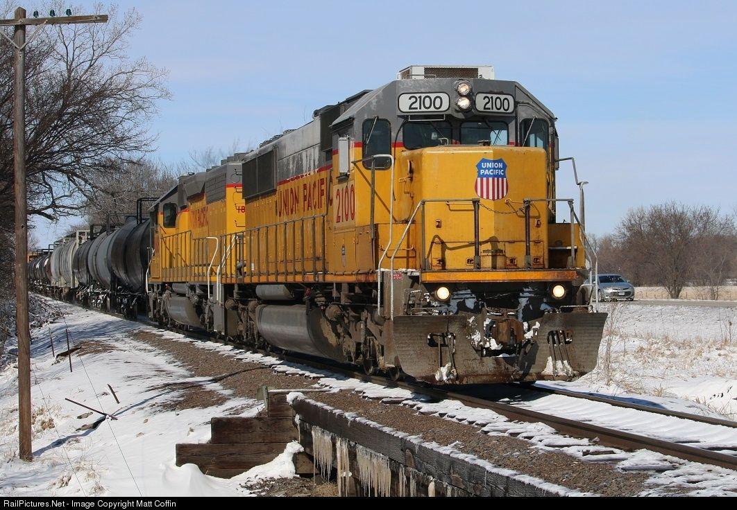 Railpictures Net Photo Up 2100 Union Pacific Emd Sd60 At Valparaiso Nebraska By Matt Coffin Pacific Union Nebraska
