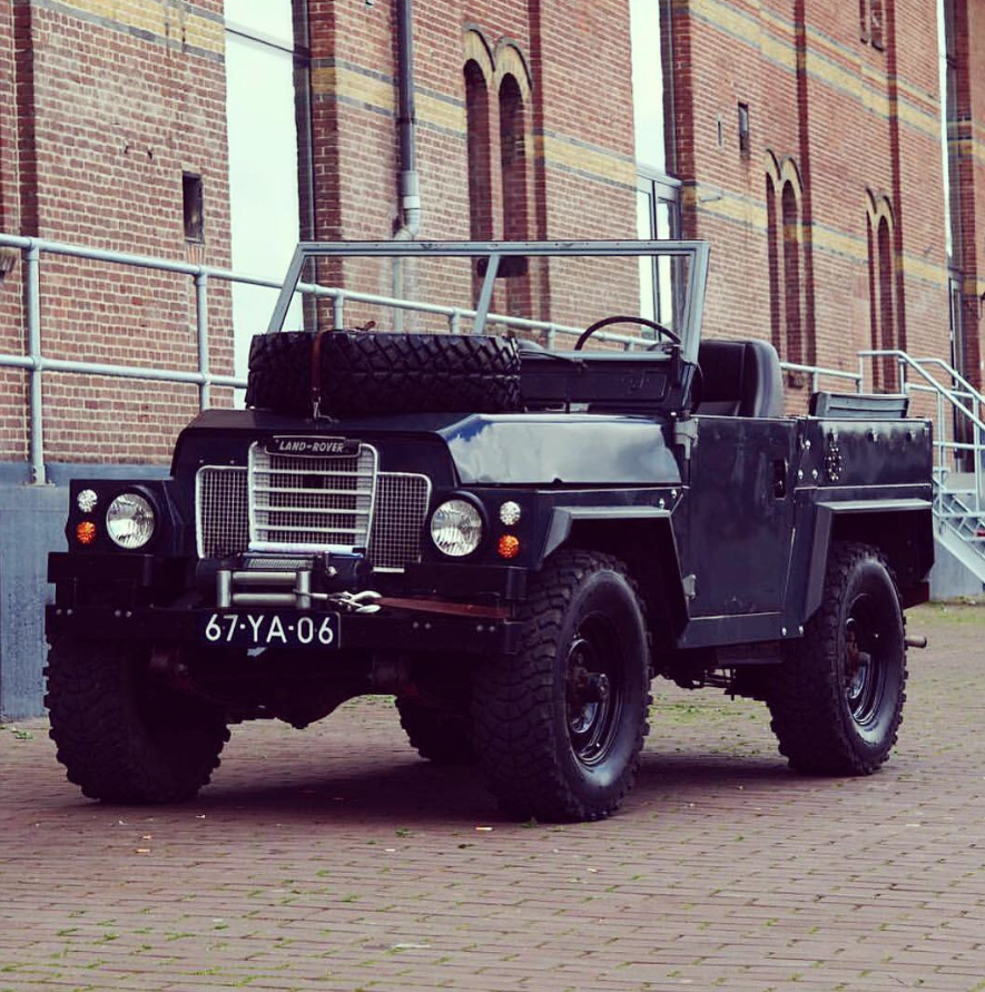 Land Rover Lightweight Military Off-road Series III Pre