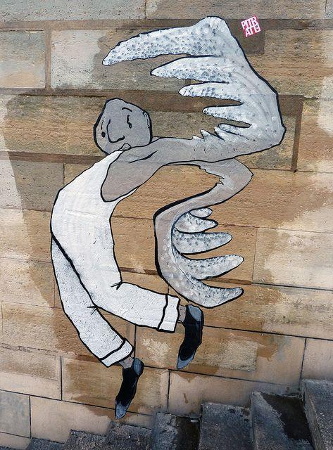 paris, 2011. Ella & Pitr Street Artists