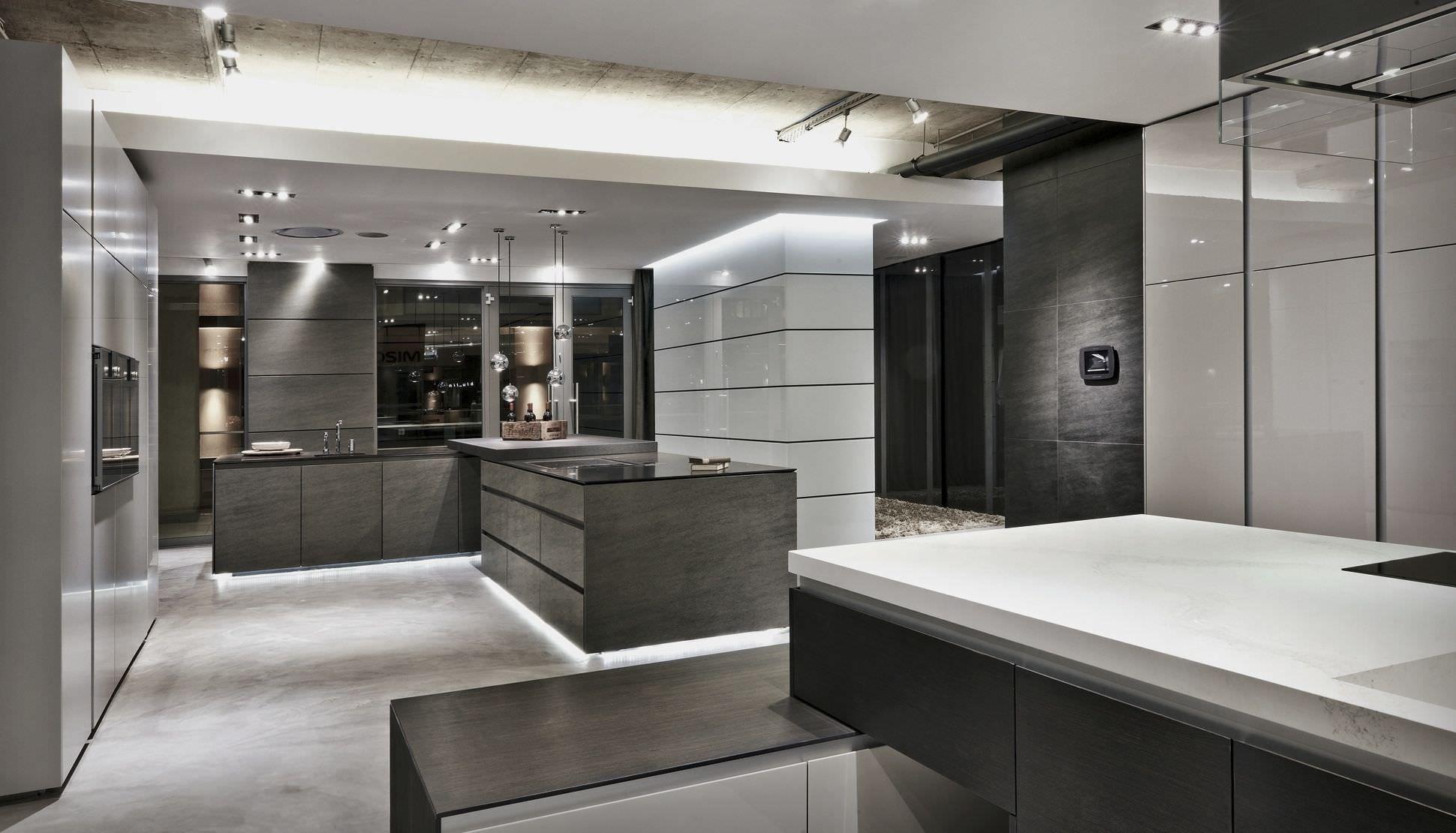 Luxury kitchen showroom | Showroom, Showroom design ...