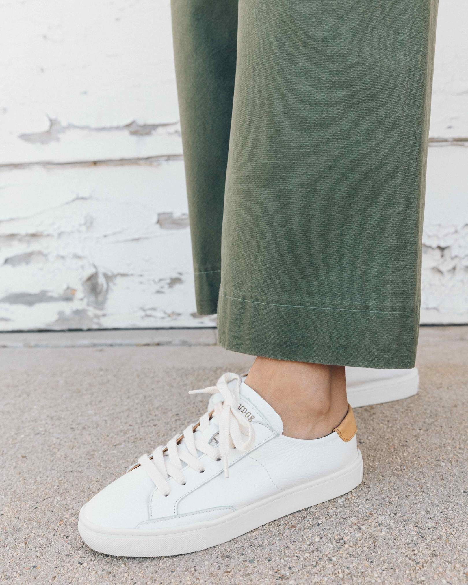 separation shoes 4ab30 44556 white Classic Sneakers, Womens Casual Sneakers, White Sneakers, Casual  Shoes, Keds,