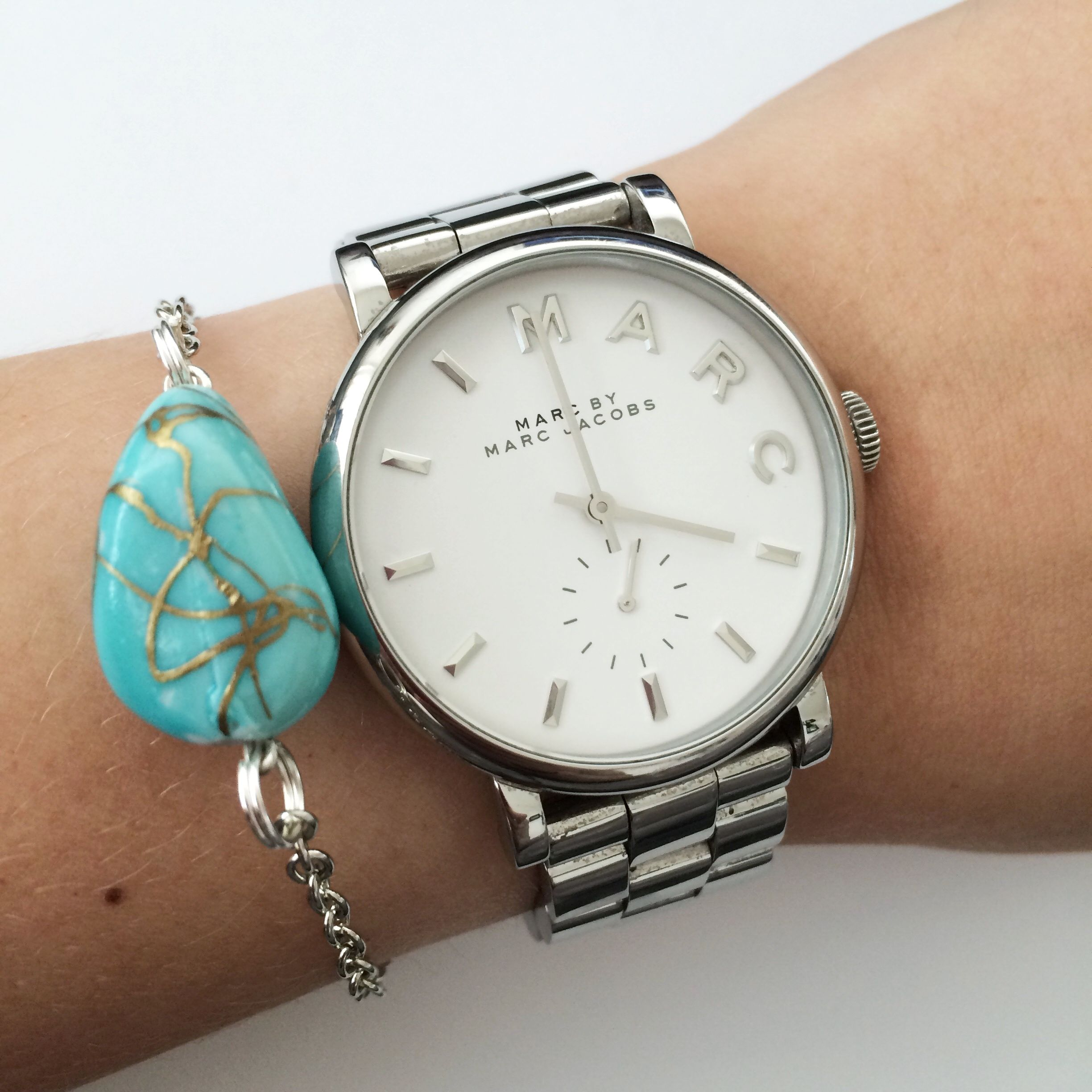 Delicate turquoise stone bracelet by Angélica