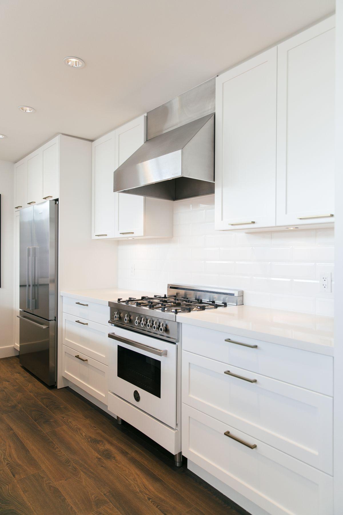 Awesome Kitchen Cabinet Range Hood Design
