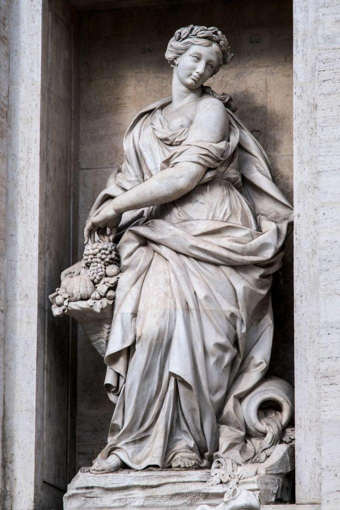 Trevi Fountain #greekstatue