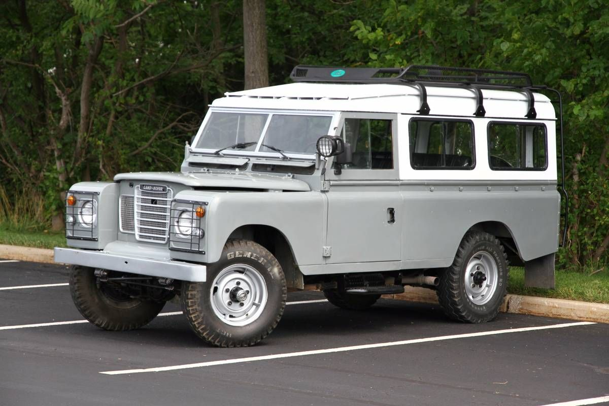 1980 Land Rover Defender Station Wagon Series III 109
