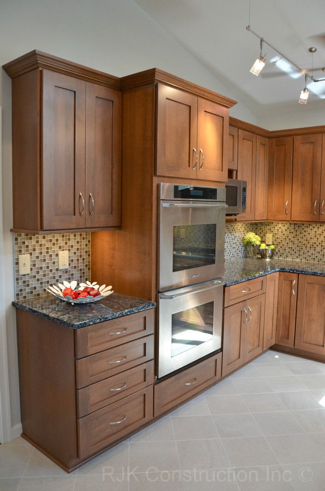 Sublime Baltic Brown Granite decorating ideas for Kitchen Traditional design ideas with Sublime Baltic brown granite