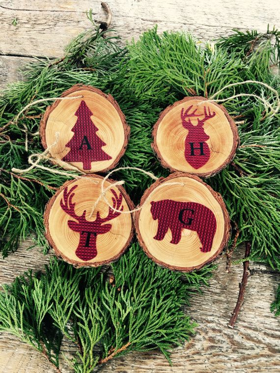Choose between coasters ornaments! This set of 4 rustic wood rounds adorned with lodge animals; deer, moose, bear and tree in a trendy buffalo plaid pattern would make such a great gift! You also have the option of having a monogrammed letter as pictured on the ornaments.  The coasters are about 1/4 thick and 3-4 in diameter. The ornament set rounds are 1/8 thick and 2.5-3.5 in diameter, we keep them a bit smaller as to not weigh down Christmas tree branches! These would also make a great…