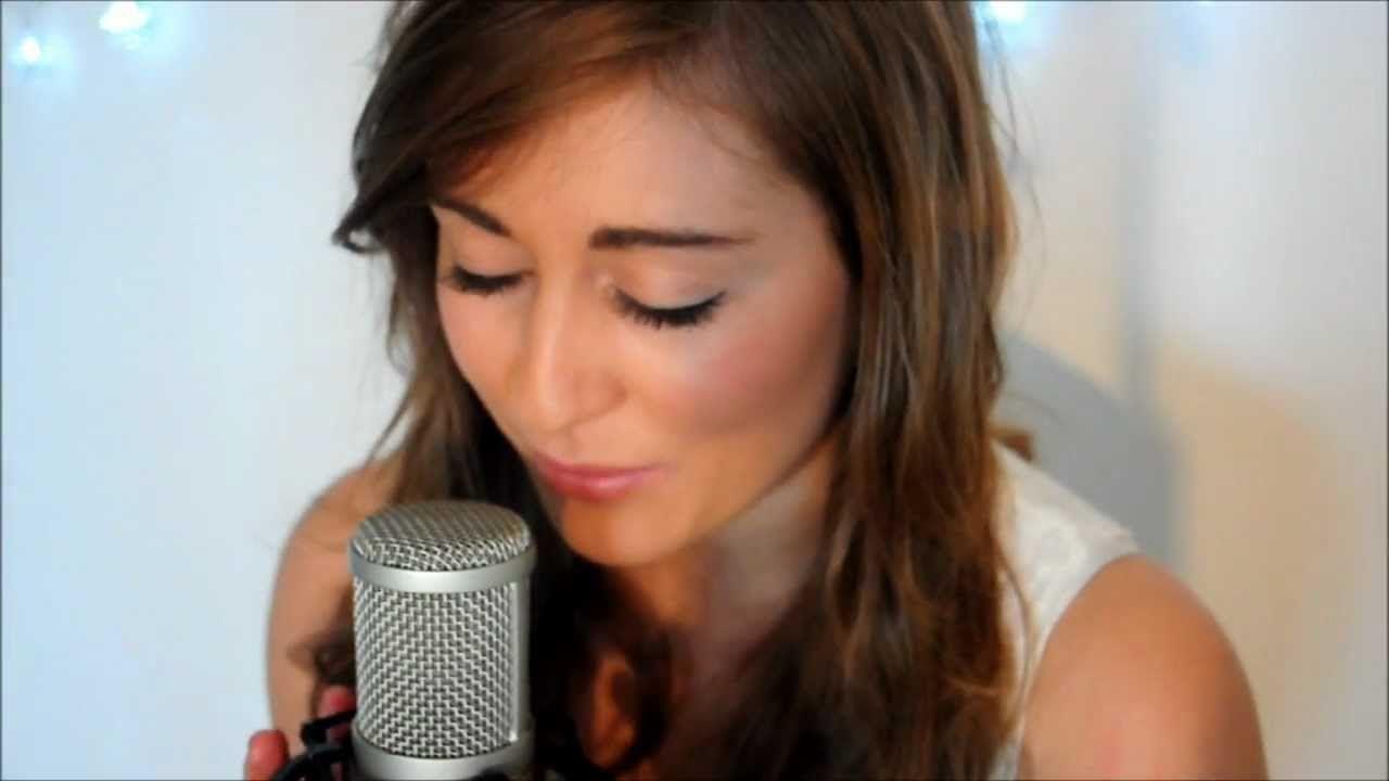 Mistletoe -Justin Bieber (Ebony Day cover) | Christmas music -Muzyka ...