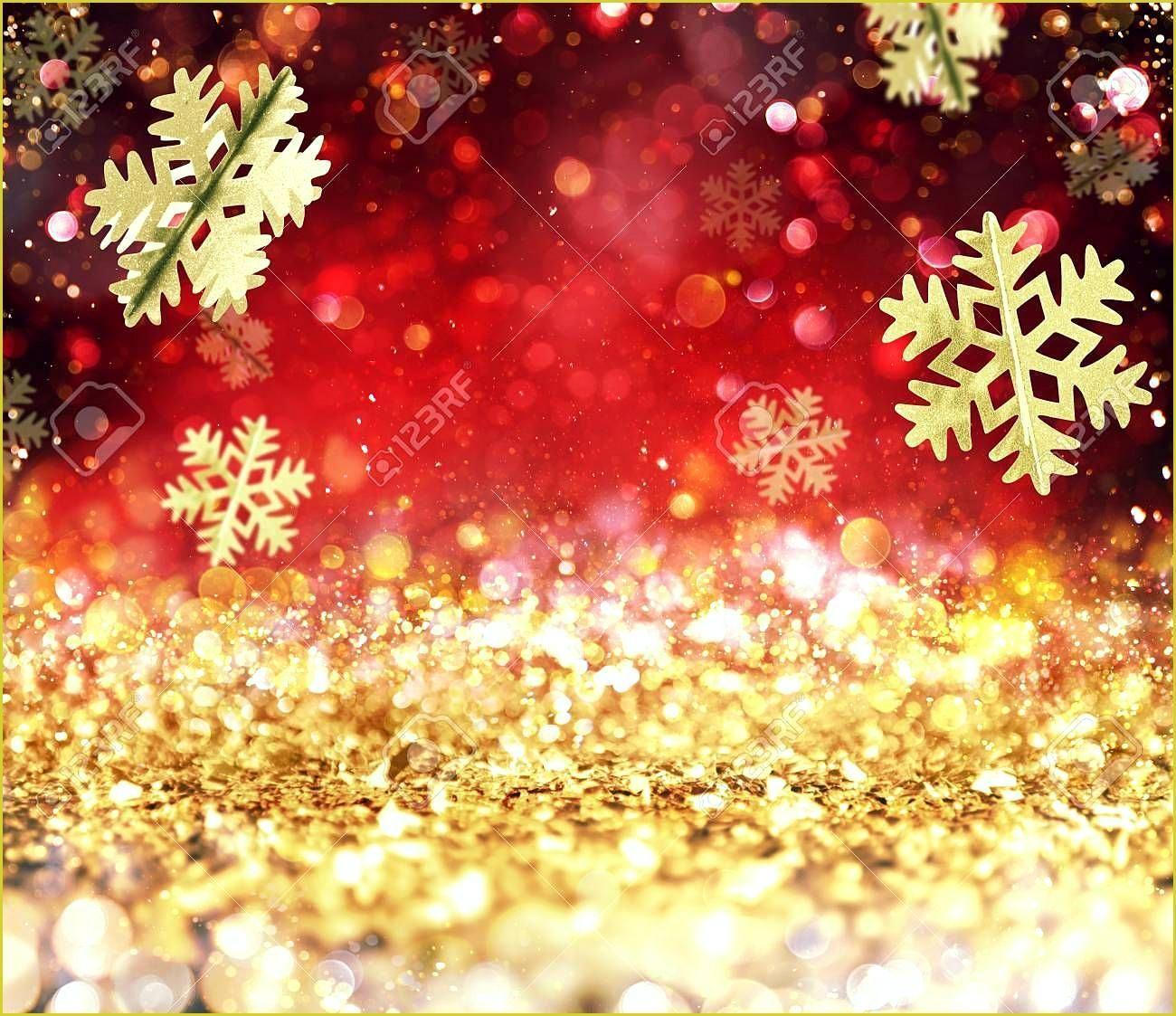 Abstrakt Leuchtende Weihnachten Gold Und Rotem Hintergrund Mit Schneeflocken A Weihnachtszeichnungen Christmas Wallpaper Gold Christmas Red Background