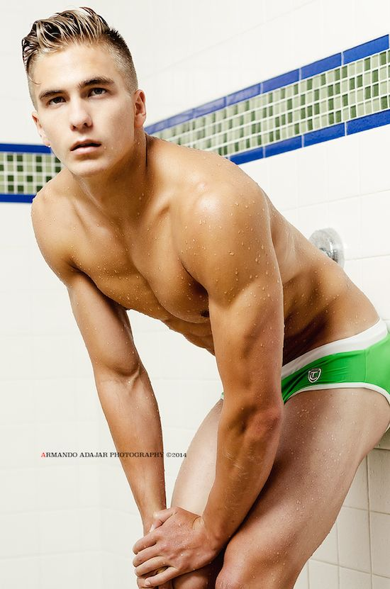 Sexy Naked Male Swimmers
