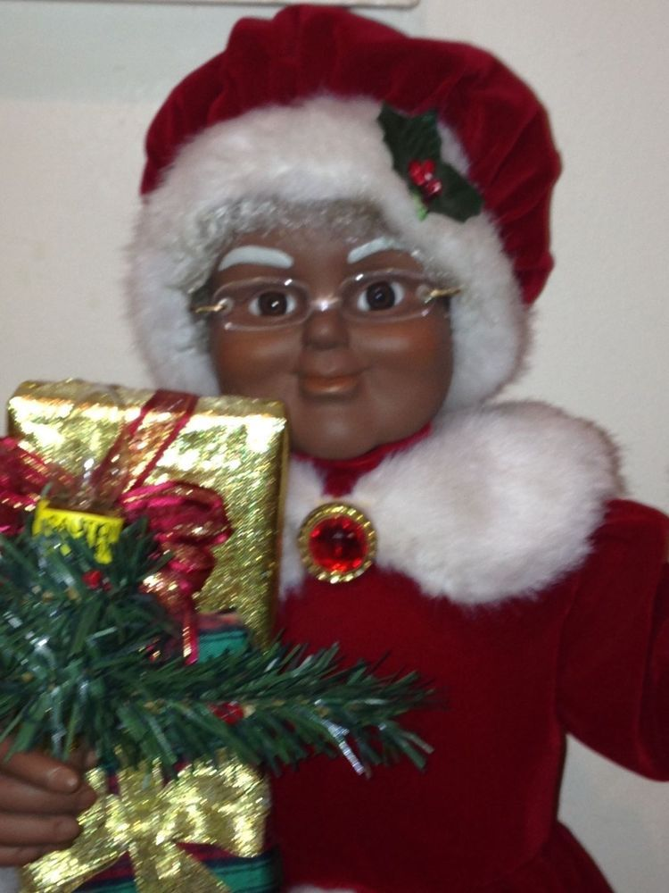 Animated African American Mrs Santa Claus