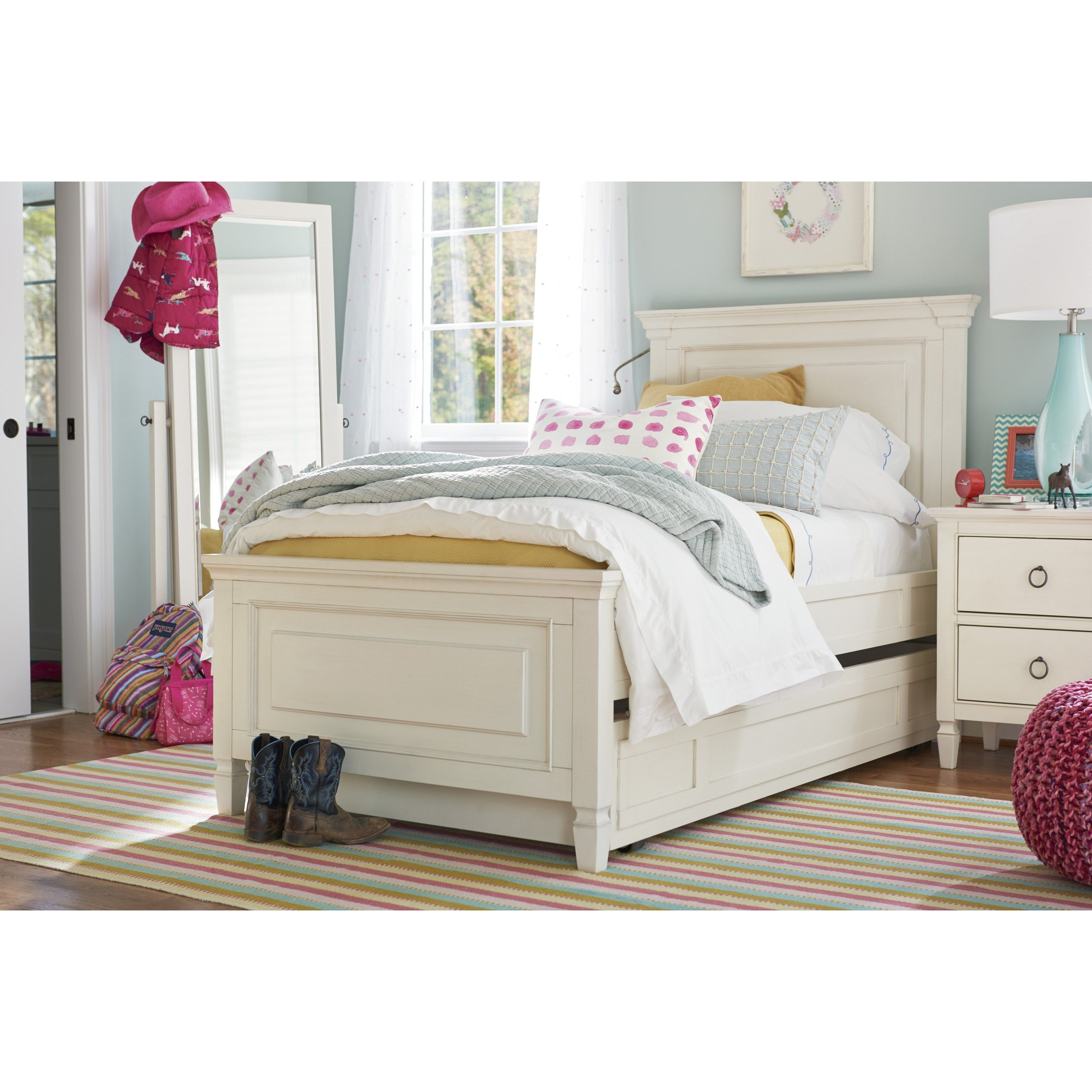 Summer Hill Twin Bedroom Group by Smartstuff Panel bed