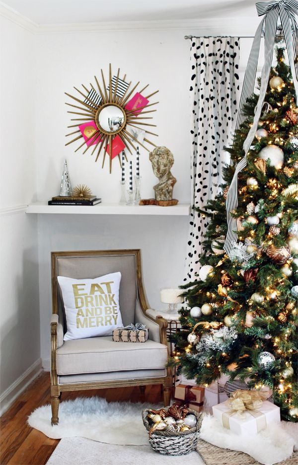 Christmas Decorating Ideas: A Black, White And Gold Living Room