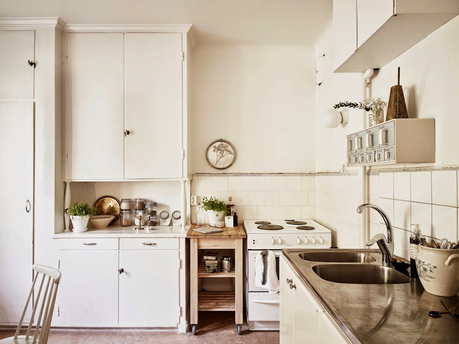 White and #cream #kitchen in #Sweden. #Inspiration from ...