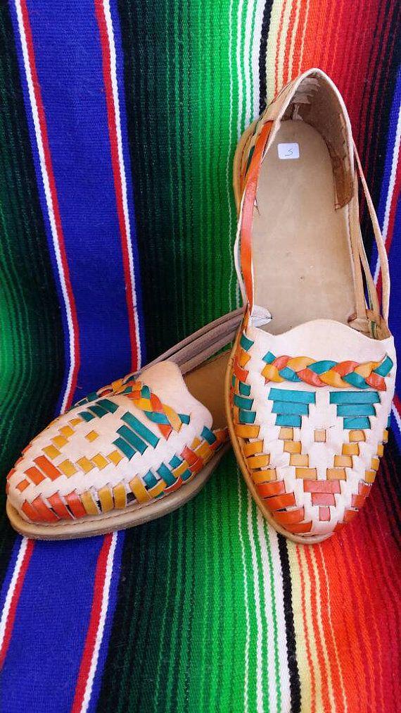 371d15b4def6 Women Huaraches Mexican Sandals Size 7 by artesanoslaraza on Etsy ...