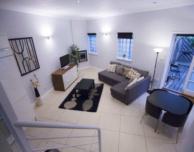 2 Bed Flat King Cross Station Zone London Beautiful 2 Bed Flat Giving A Homy Feeling Clean Cosy In Kings Cross Th 2 Bed Flat House Property Rent In London