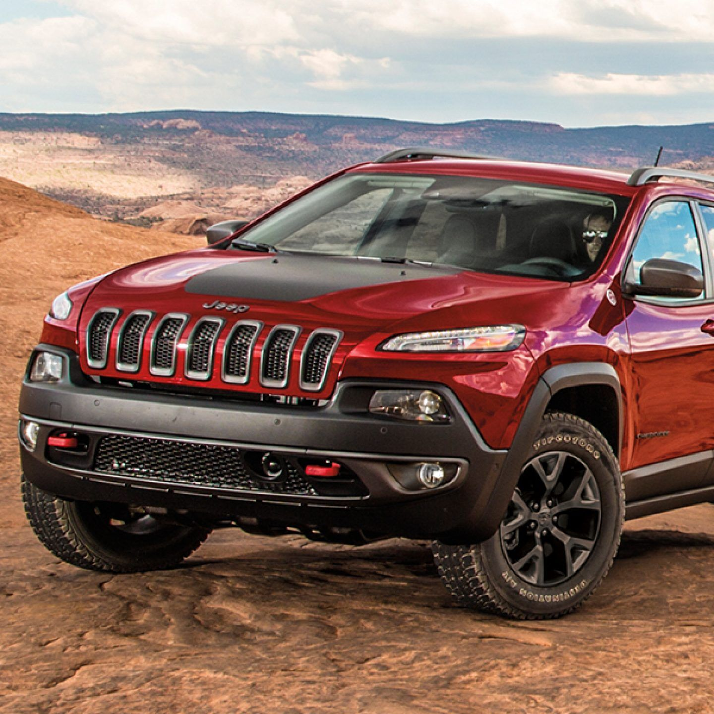 Jeep Cherokee 2017 Trailhawk froading and Heavy Daily Driver