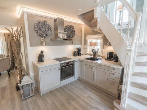 ferienwohnung home suites scharbeutz hotels von home einrichtung lifestyle einrichtung. Black Bedroom Furniture Sets. Home Design Ideas