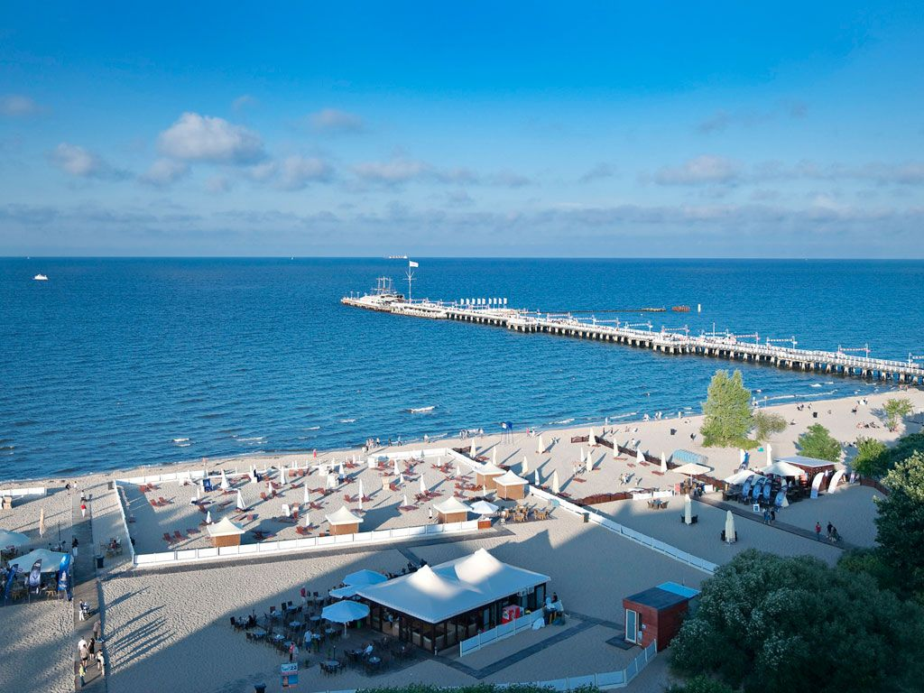 Baltic Sea, the beach and the pier in Sopot Polen