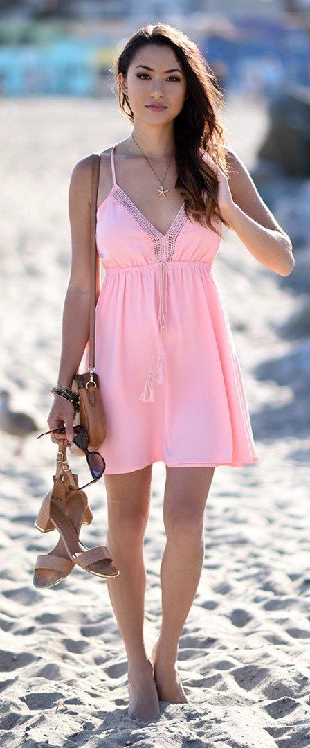 Lovely Ideas To Dress Up For a Beach Party | Lace dress, Beach and Boho
