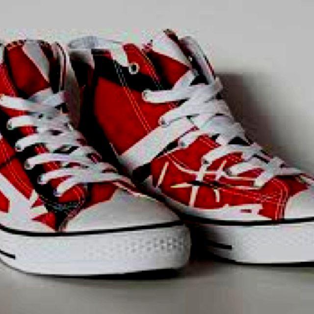 Eddie Van Halen converse!! iWant.  1da7e00c7
