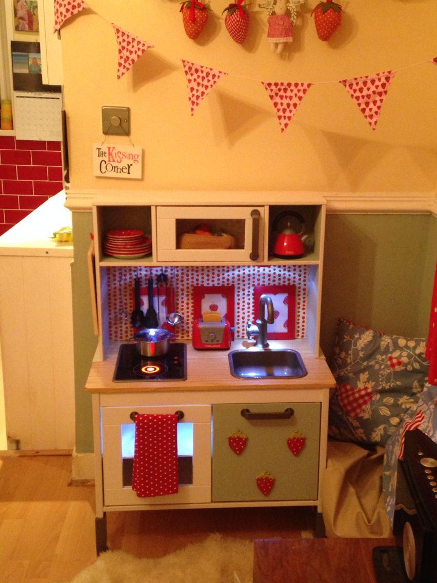 Ikea duktig kitchen childs kitchen play cocinitas ikea for Ikea juguetes infantiles